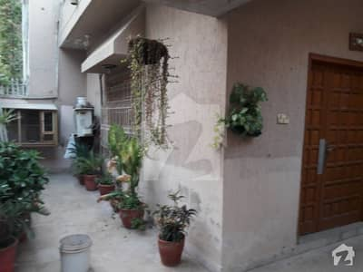 Bungalow For Sale 200 Sq Yards
