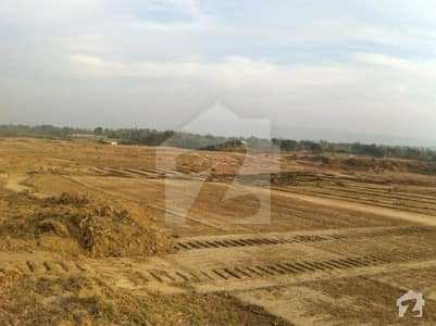25x50 plot for sale in i14