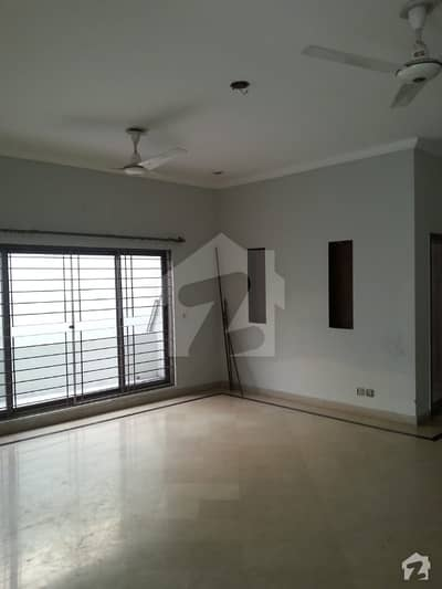 1 Kanal Brand New Type House For Sale