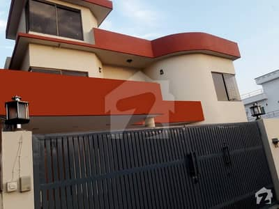 Slightly used 1 kanal bungalow for sale