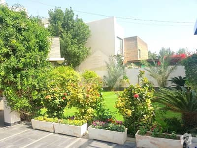 Off Qasim West Open Amazing 1000 Yards House With Swimming Pool In DHA PH 8