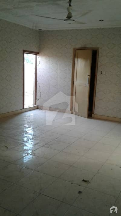 Flat For Rent 3 Bed D/D Gulshan-e-Iqbal Block 2 Rent 28000