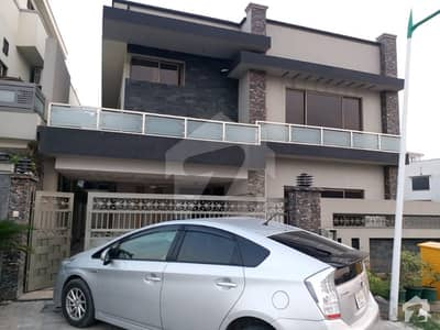 10 Marla house for Rent in Bahria Phase 7
