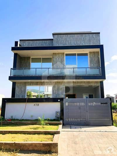 Brand Luxury 4 Marla House For Sale