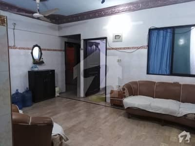 3 Bed D/D Flat In Dehli Colony