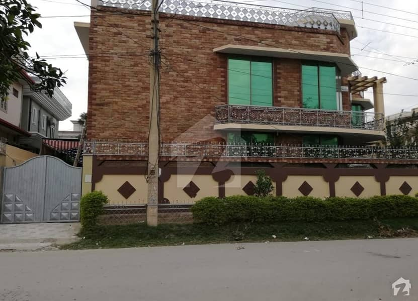 House In Main Hayatabad Ph-1 Sector E2