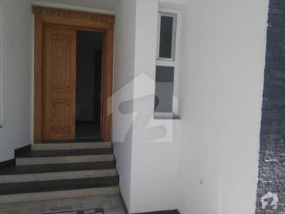 E-11 - 1 Kanal 2 Unit Excellent House 8 Bedrooms For Rent