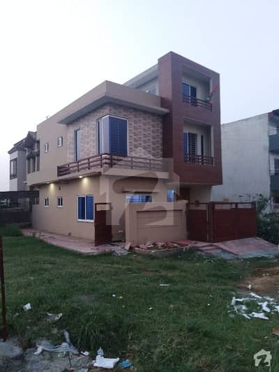 G-13 Brand New 4 Marla 25x40 Proper 2 Side Corner House For Sale With 15 Kanal Extra Land Huge Parking Lush Green Lawn Very Latest Style
