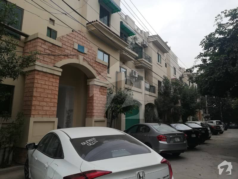 Leads Offer 10 Marla Luxury Flat For Sale On The Prime Location Divine Garden