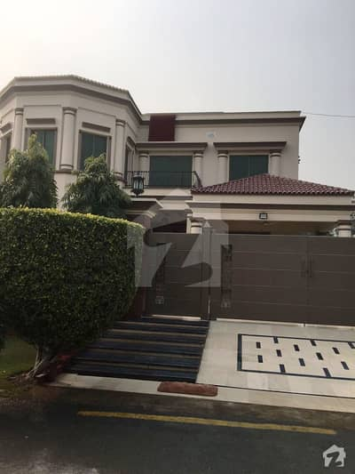 NFc Society 1 Kanal Use Spanish Owner Build Bungalow for Sale Near Park