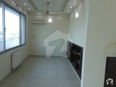F-11 Executive Suite Penthouse 3 Bed For Sale