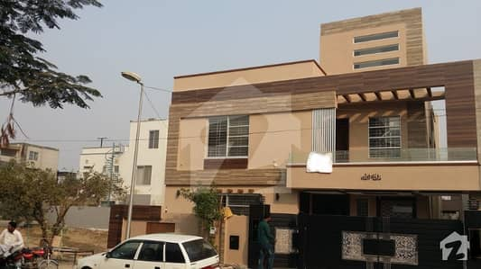 Shehryar Builders offer         10 Marla brand new house on 60 feet Road Top location in bahria town lahore