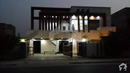 1 kanal slitly used new stylish House on very reasonable price in Bahria Town Lahore