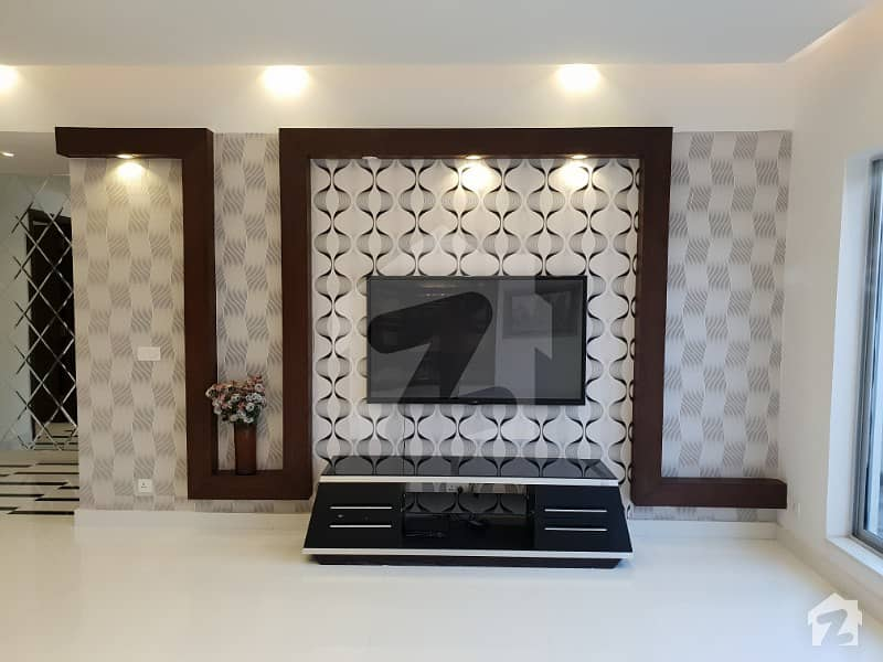 1 Kanal House Available For Sale