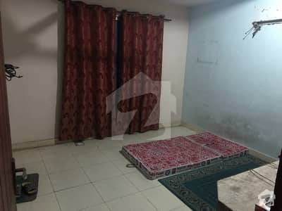 Room For Rent At Shama Apartment Ferozpur Road