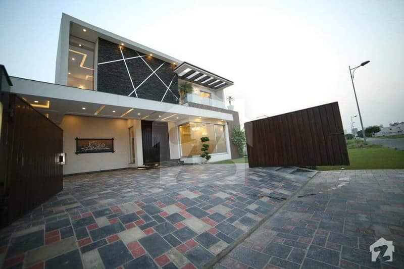 1 Kanal Brand New Outstanding Artistic Bungalow