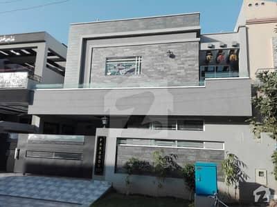 10 Marla Brand New House Designer Build Extraordinary Construction