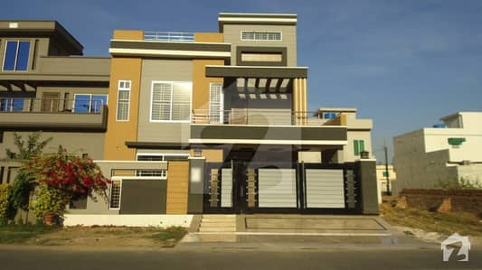 10 Marla Brand New House For Sale At Good Location