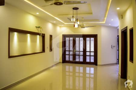 E-11 - House For Office 9 Bed 5 Car Parking Near Main Double Road Ideal For Office