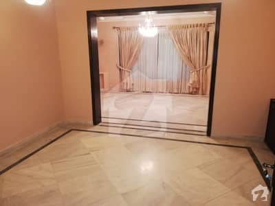 F 10 Double Story House With Ac And Curtains 6 Bedrooms is for rent