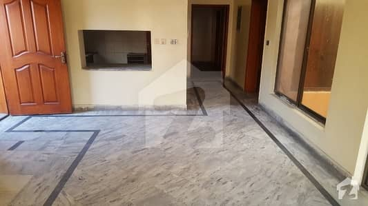 Luxury 10 Marla Upper Portion For Rent Ideal Location