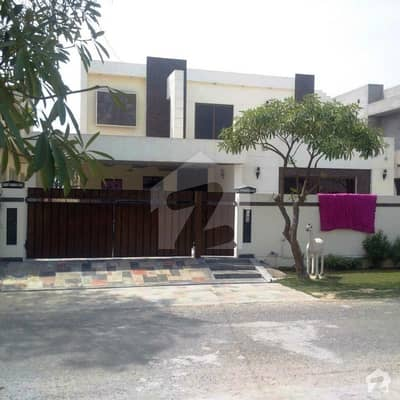 Syed Brothers Offers 1 Kanal Slightly Used Near Park Royal Place Out Class Modern Luxury Bungalow For Sale In Sui Gas Housing Society