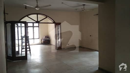 Old House For Sale In West Canal Bank Front 100 Feet - Near Pcsir Phase 1