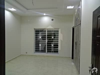 10 Marla Prime Located House For Rent In Bahria Town