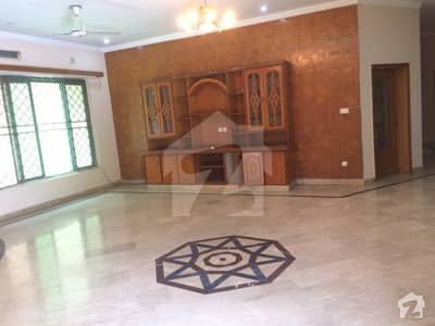 06 Kanal Double Storey Bungalow For Sale