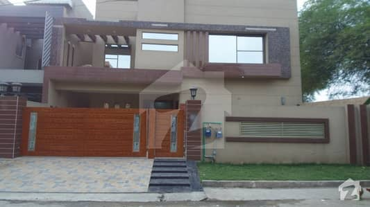Brand New Triple Storey Double Unit House For Sale