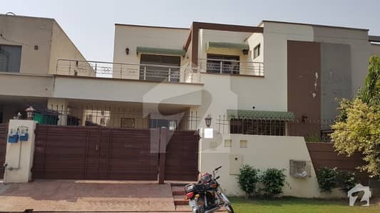 DHA Lahore 10 Marla Villa Very Good Location Super Good Deal In Phase 8