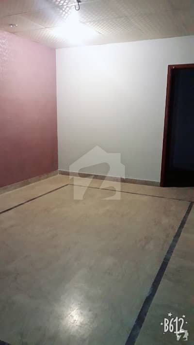 Buffer zone Sector 15a3 - 2nd Floor Good Condition  2 Rooms  With Attached Wash Room