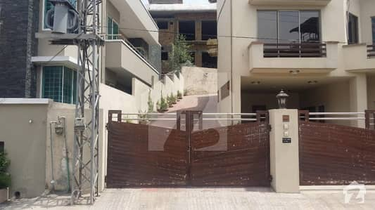 Beautiful House For Sale In Bani Gala LVL Society