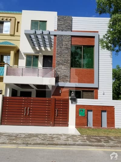 5 marla double story beautifull brand new house for sale in bahria nasheman ferozpur road LHR 10 mint drive from gujjumata ring road interchange