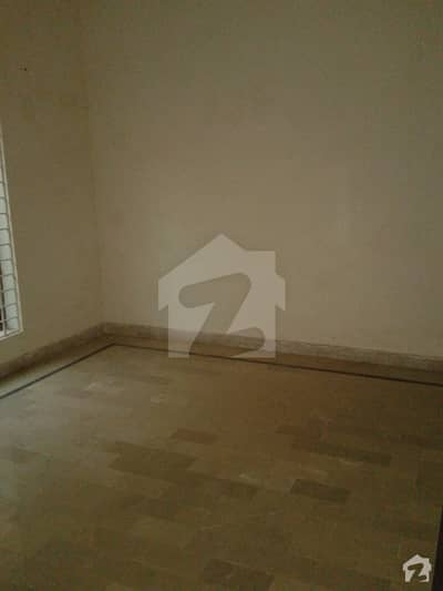 2nf Floor For Rent In Challan Walla Pull For Family