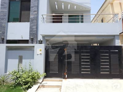 BRAND NEW 5 MARLA LUXURY HOUSE IS AVIALABLE FOR RENT IN BLOCK AA SECTOR D