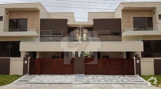10 Marla Designer House with Basement