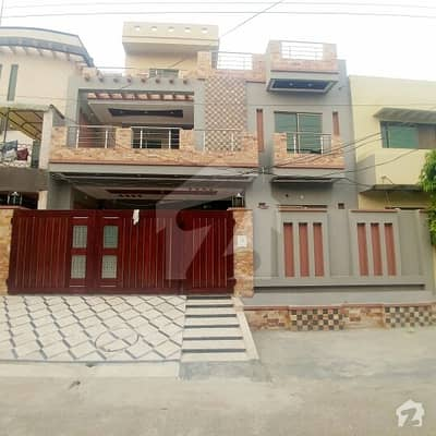 10 marla house avalable  for sale  near main road