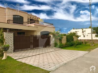 1 KANAL SPANISH BUNGALOW FOR SALE OWNER NEEDY