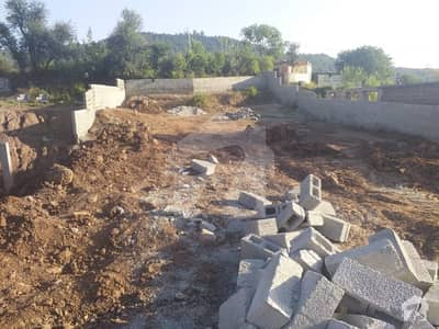 22 Marla Main Murree Expressway Land With 4 Shop For Sale
