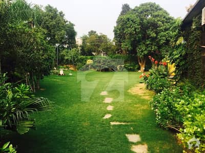5 Kanal Beautiful House For Sale On Peshawar Road