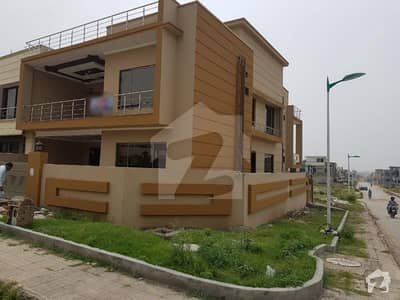 11 Marla Corner House For Sale In Bahria Town Phase 8 - Block C