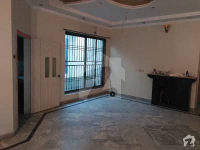 Mian Estate Offered 10 Marla Upper Portion For Rent