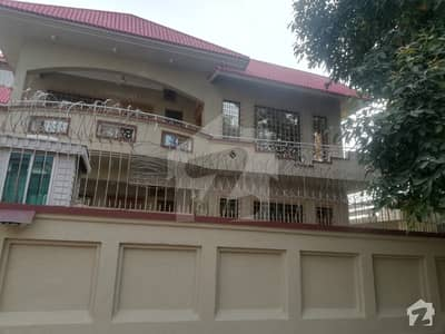 Well Maintained Secured 6 Bed House In Dead End Street