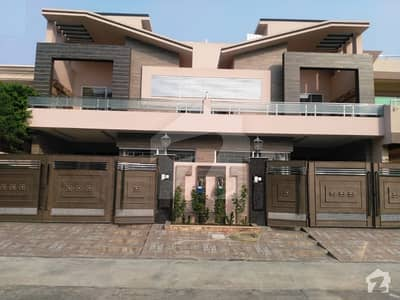 Johar town 10Marla Duplex brand new Awesome bungalow for sale