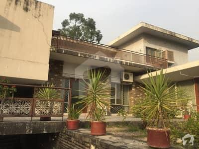 Demolishable 3 Kanal Corner House For Sale