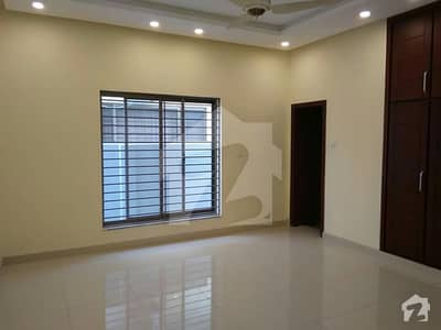 12marla beautiful house for rent in media town rawalpindi best location near mean rood