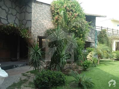 45 Marla Double Storey Beautiful Farm House For Rent Near Eme Society