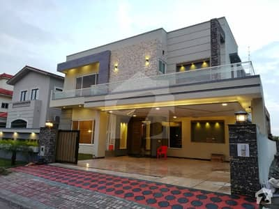 Stylish 1 Kanal House For Sale In Bahria Town