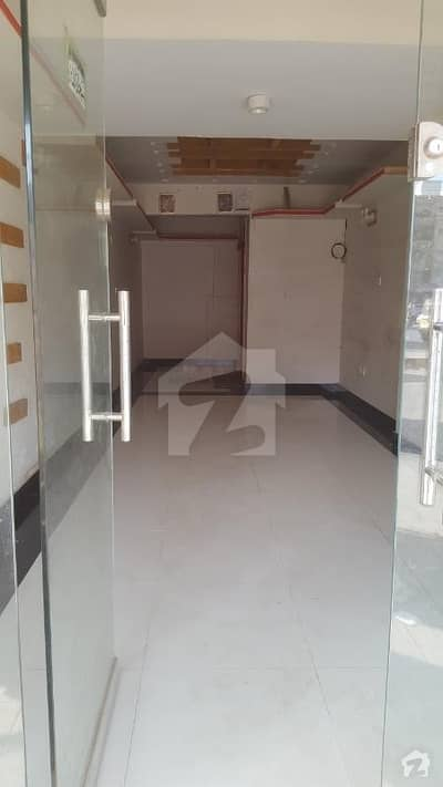 3 Bed D / D Appartment For Memon Family Road Facing 3rd Floor On Main University Road